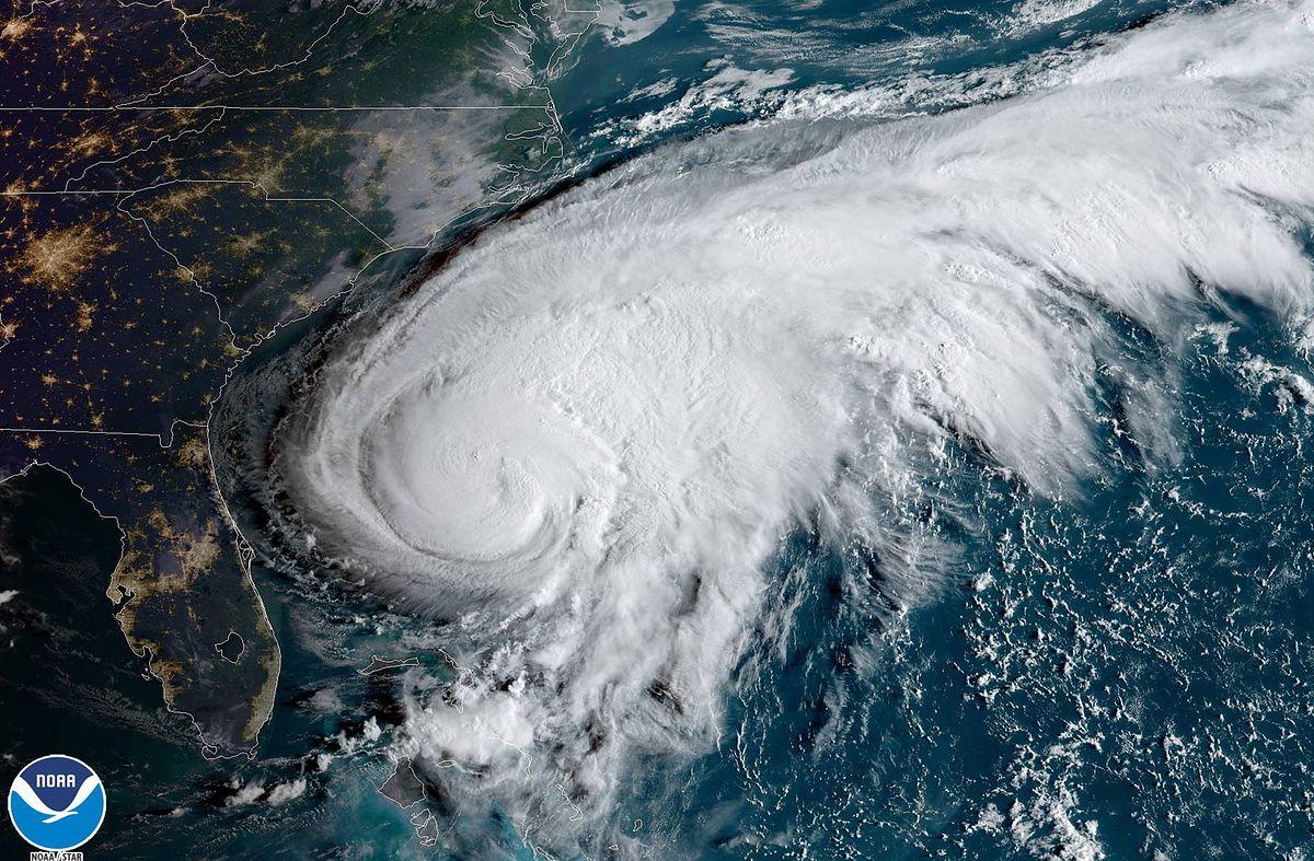 Pogoda. Huragan Humberto zaczyna pustoszyć Bermudy. 80 proc. wyspy bez prądu