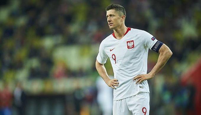 d652eedd6 Reprezentacja zagra trzema napastnikami? Robert Lewandowski mówi o meczu z  Austrią