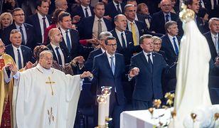 Szwajcarska gazeta twierdzi, że Kościół zbytnio brata się z PiS-em