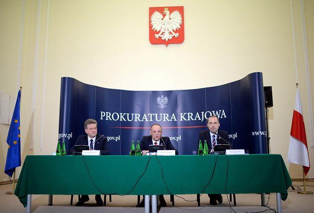 Prokuratorzy Krzysztof Schwartz, Marek Pasionek i Marek Kuczyński.