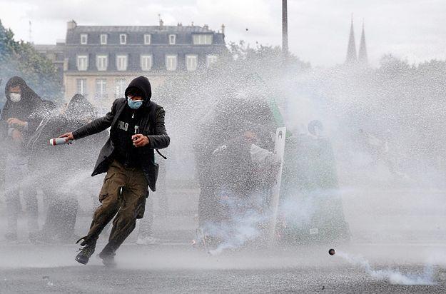 26 osób rannych podczas demonstracji w Paryżu