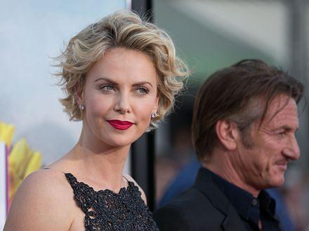 Sean Penn chce adoptować syna Charlize Theron