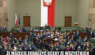 Ta noc w Sejmie przejdzie do historii. Internauci skomentowali ją memami