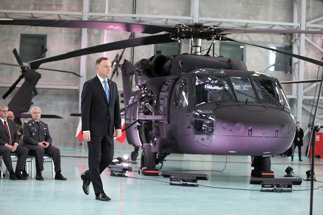 Zwierzchnik Sił Zbrojnych, Prezydent Andrzej Duda podczas uroczystości przekazania czterech S70i jednostce Grom