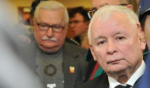 Lech Wałęsa i Jarosław Kaczyński na korytarzu gdańskiego sądu.