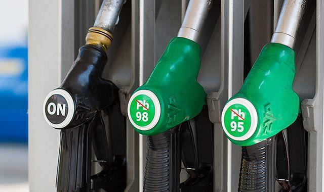 Tankowanie na stacjach coraz droższe. Ale nie LPG - gaz tanieje!