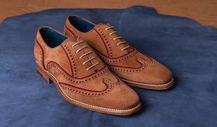 Zamszowa elegancja. Fokus na eleganckie buty o matowej powierzchni