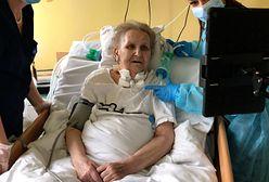 """Do szpitali i ośrodków trafiają """"Tablet(ki) na samotność"""". """"Zdarzają się łzy szczęścia, wielkie wzruszenia"""""""
