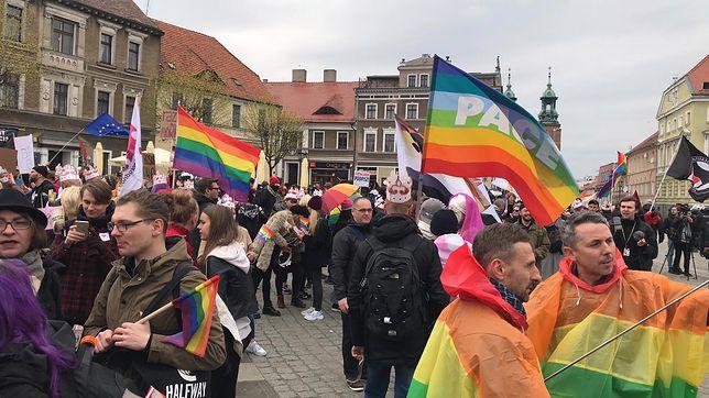 Marsz Równości przeszedł przez Gniezno. Nie obyło się bez incydentów