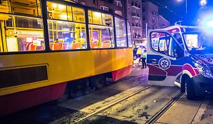 Tragedia w Warszawie. Mężczyzna wpadł pod tramwaj