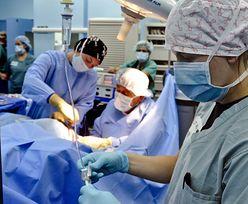 Niezwykła operacja w Łodzi. Kobieta dostała nową pierś... z brzucha