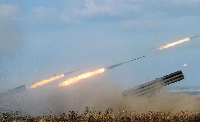 """Ukraińska armia wycofuje wyrzutnie rakietowe """"Uragan"""" z linii walk"""