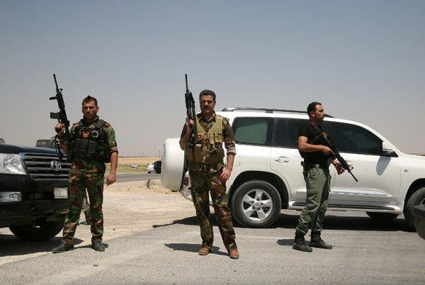 Armia syryjska i bojownicy Państwa Islamskiego walczą o lotnisko
