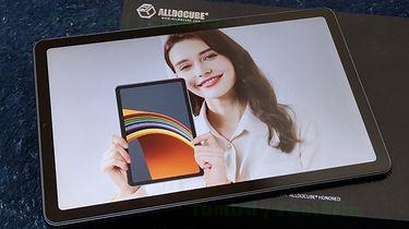 FantAsia: test tabletu Alldocube iPlay 40. Świetna (niemal) wszystkomająca propozycja ze średniej półki - Allle... docube ;] Pani ze zdjęcia z materiałow prasowych producenta