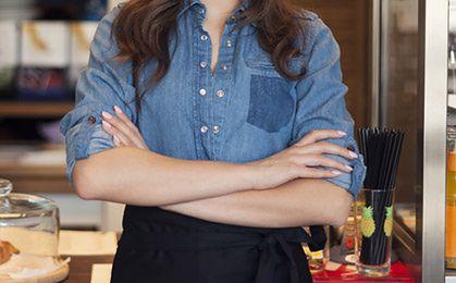 MSZ tłumaczy się z kelnerki na placówce zagranicznej