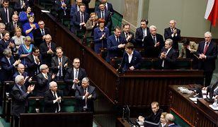 Polacy ocenili szanse PiS w najbliższych wyborach. Nowy sondaż