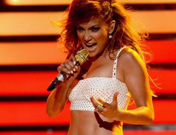 Nad scenicznym lookiem Jennifer Lopez zawsze pracuje sztab specjalistów