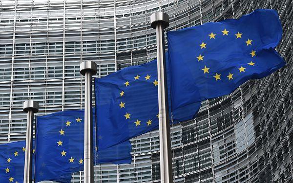Komisja Europejska będzie rozmawiać o ewentualnych wizach dla obywateli USA i Kanady