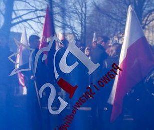 Propozycje PiS uderzą we frankowiczów i przyśpieszą zadłużanie państwa