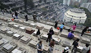 Cmentarze nad miastem