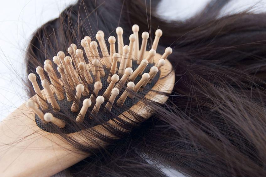 Jak dbać o szczotkę do włosów?