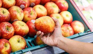 Błyszczące jabłka - czy warto je kupować?