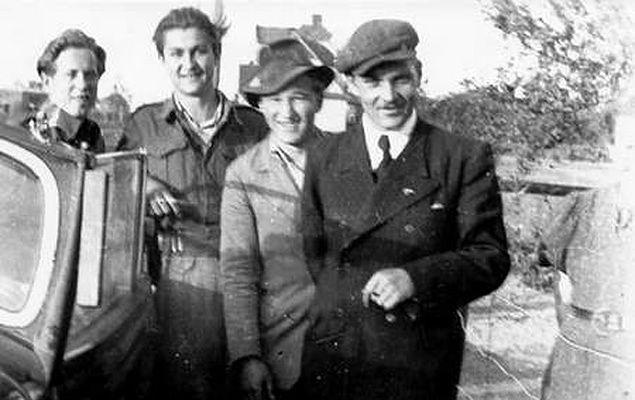 Henryk Flame (pierwszy z prawej), dowódca oddziału NSZ, w którym walczył Edward Biesok