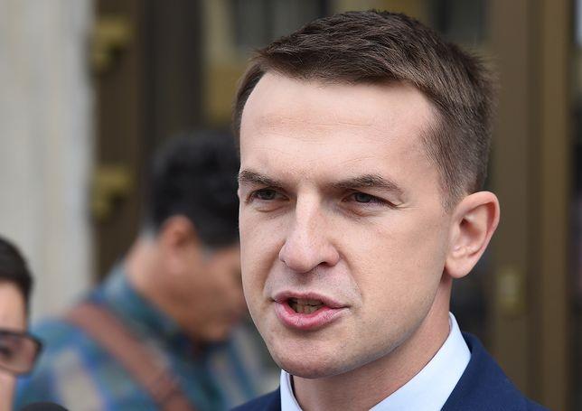 Marek Suski skarży na Adama Szłapkę. Poszło o kampanię billboardową