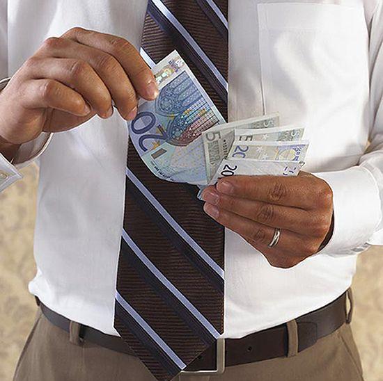 Bogaci Niemcy domagają się... wyższych podatków!