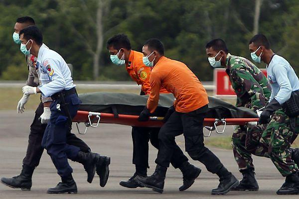 Z morza wyłowiono kolejne ciała ofiar samolotu AirAsia