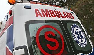 Czołowe zderzenie w Kraśniku. 5 osób w szpitalu. Droga zablokowana