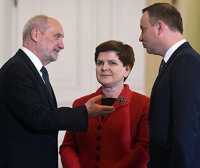 Prezydent Andrzej Duda, premier Beata Szydlo i minister obrony Antoni Macierewicz.