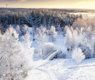 Zima w Polsce może zachwycić niejedną osobę. Ciekawych miejsc wartych odwiedzenia jest naprawdę sporo
