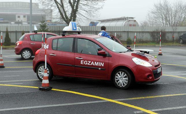 Praktyczny egzamin na prawo jazdy - to tutaj odpada większość kandydatów.