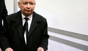 Jarosław Kaczyński po zakończeniu głosowania w komisji wyborczej na Żoliborzu.