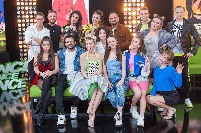 """Uczestnicy i jurorzy trzeciej edycji """"Dance dance dance""""."""