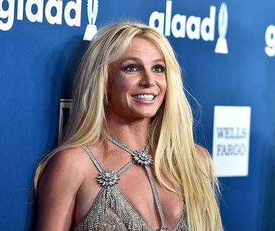 Britney Spears posiłkuje się kryształami