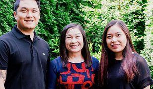 Nguyen DieuHong (w środku) jest szefem kuchni w restauracji Wiệtnam