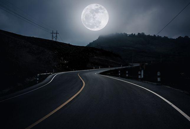 Księżyc Żniwiarzy. W piątek 13 września czeka nas wyjątkowa pełnia. Sprawdź, czym wyróżnia się to zjawisko astronomiczne