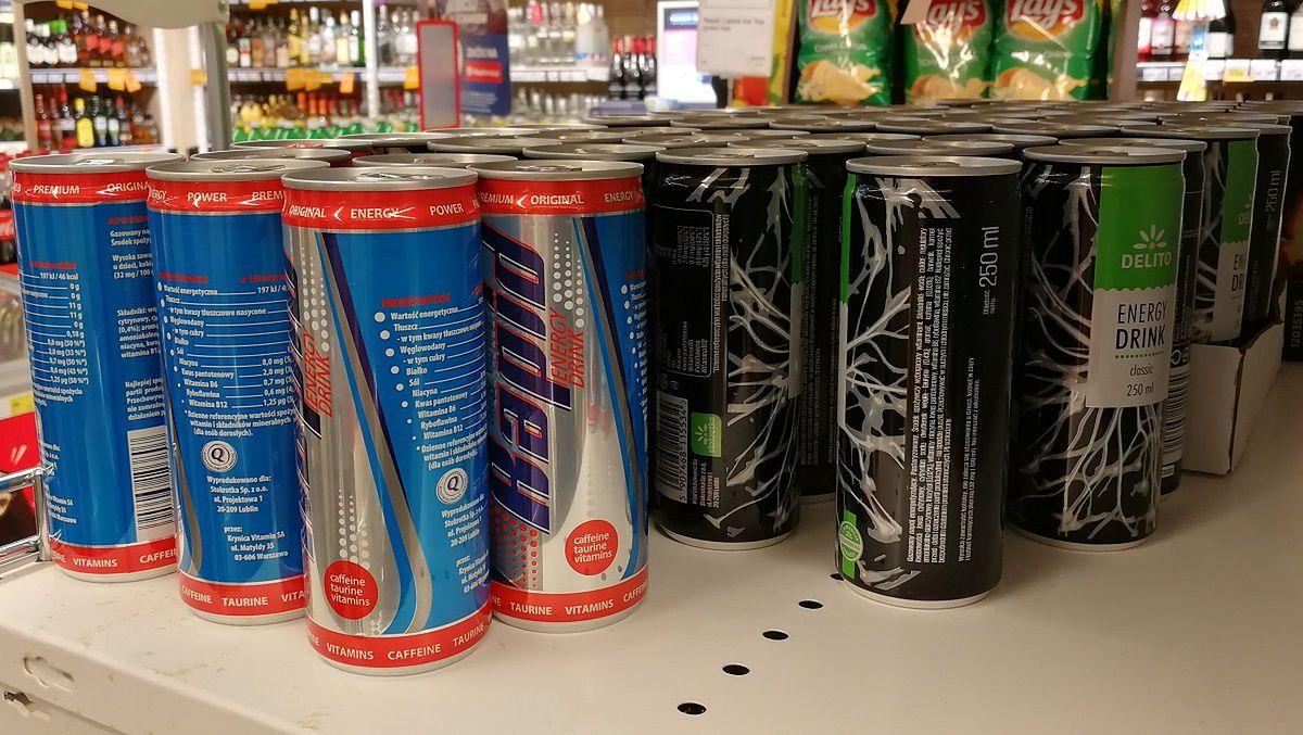 Branża napojów energetycznych dynamicznie się rozwija. W sklepach przybywa promocji