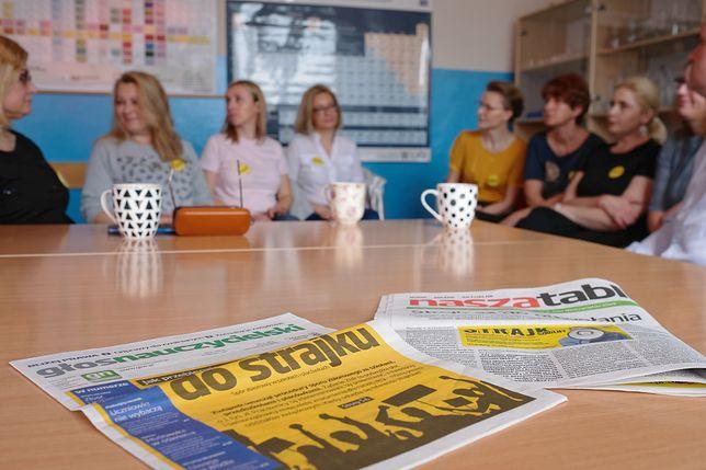 Strajk nauczycieli w Szkole Podstawowej nr 6 i Gimnazjum nr 16 w Sosnowcu, PAP/Andrzej Grygiel