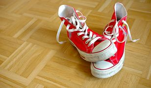Buty możesz prać w pralce albo ręcznie - wszystko zależy od ich materiału.
