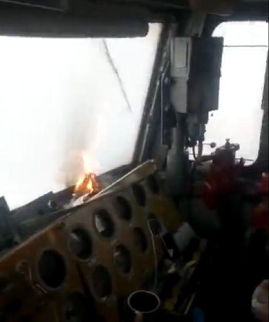 Rosjanie wymyślili sposób na oblodzoną szybę