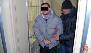 """Kolejne oszustwo metodą """"na policjanta"""". """"Wyłudzili od emerytów ponad 500 tys. zł"""""""