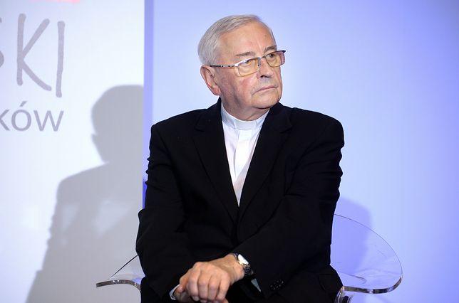 Biskup Tadeusz Pieronek krytykuje obecną władzę i nazywa Piotra S. bohaterem
