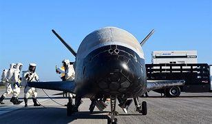 Kosmiczny samolot Sił Powietrznych USA powrócił na Ziemię po prawie dwóch latach w powietrzu. Jego misja nadal pozostaje tajemnicą