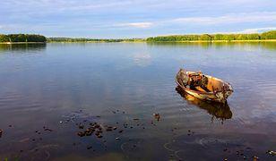 Warmińsko-mazurskie. Płetwonurkowie odnaleźli ciało 61-letniego żeglarza w jeziorze