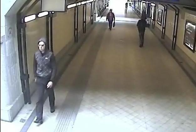 Policja opublikowała wizerunek mężczyzny, który zostawił bombę w autobusie we Wrocławiu