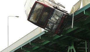 Autobus spadł z mostu Gdańskiego