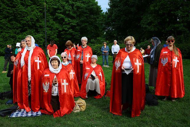 Gdy wy jedliście kiełbaski z grilla, oni wybrali Jezusa na króla Polski